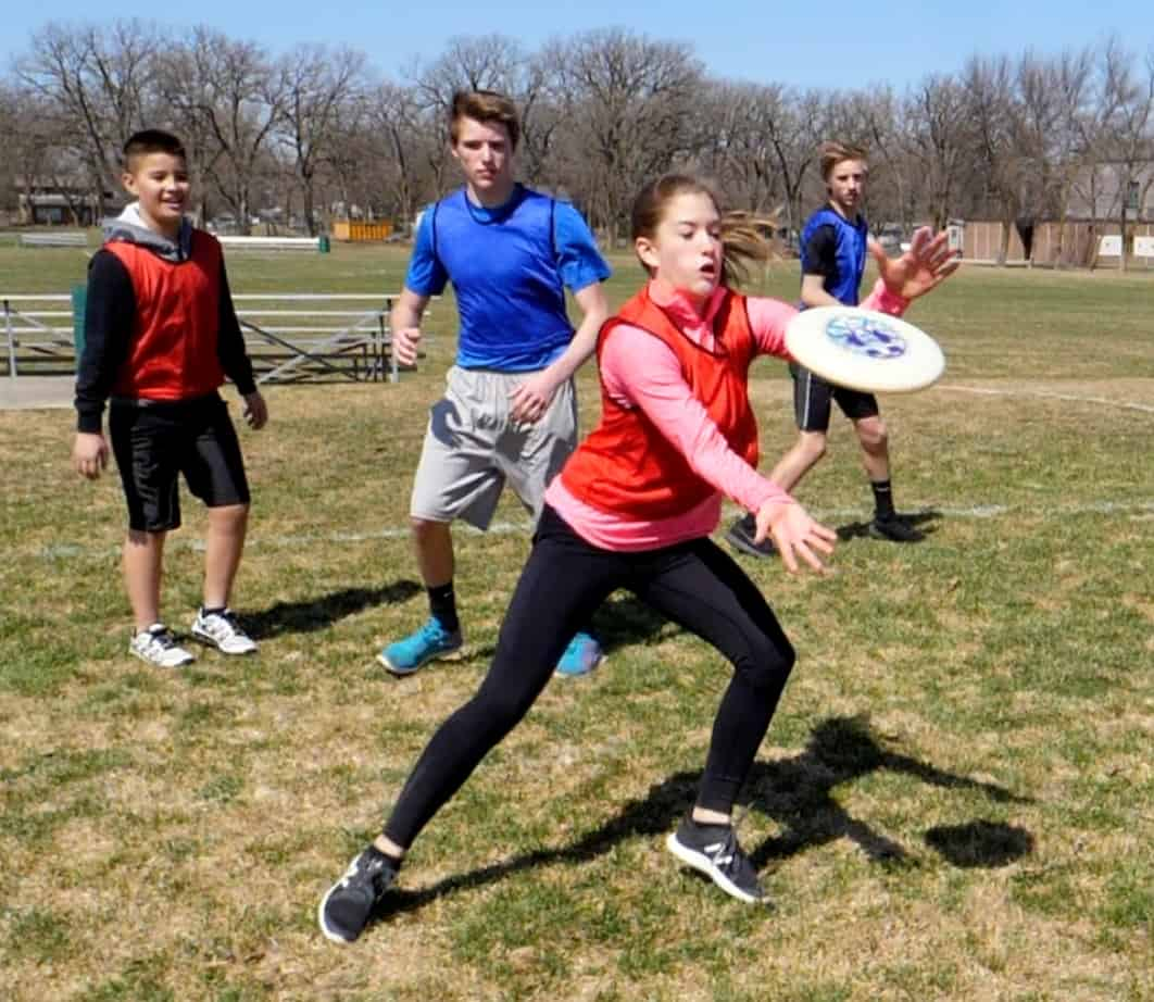 How To Play Ultimate Frisbee Video Gopher Pe Blog