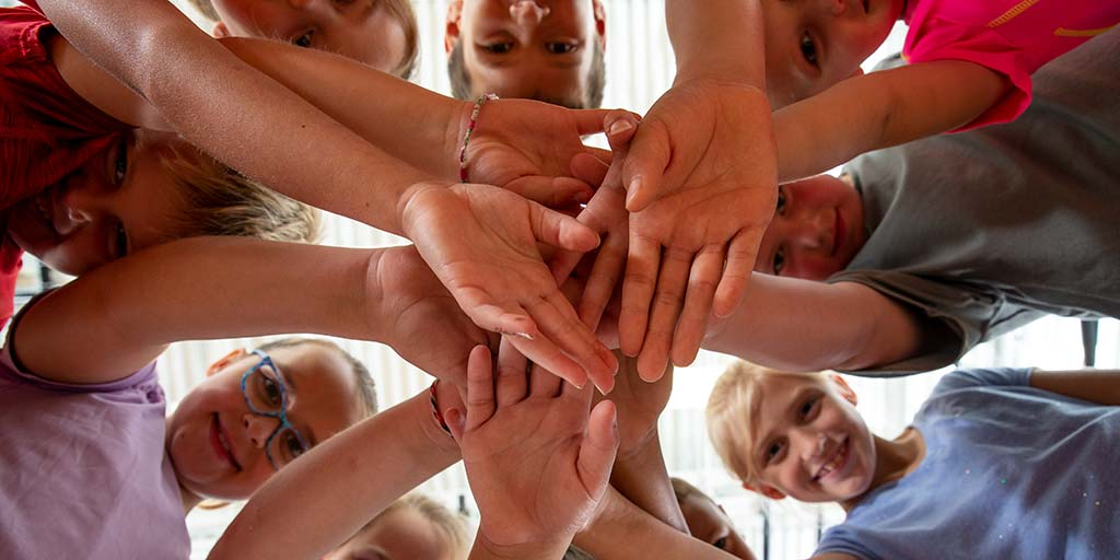 kids Elem Hands 054